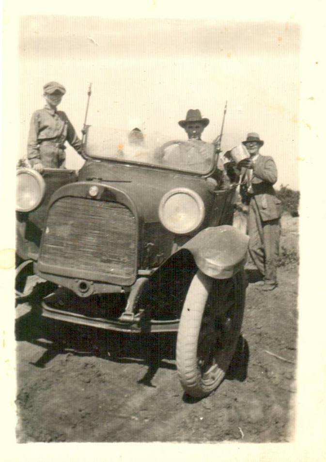 1920 Hugh Etter, Bert Etter, C.R. Etter Hilburn Oil Boom