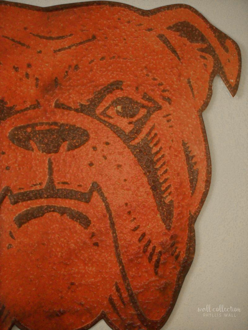 Metal Bulldog Signe